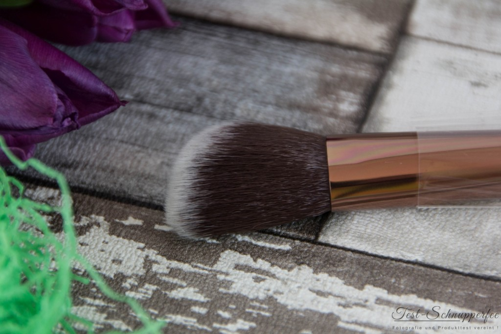 Luxie Beauty Face Brush Detail